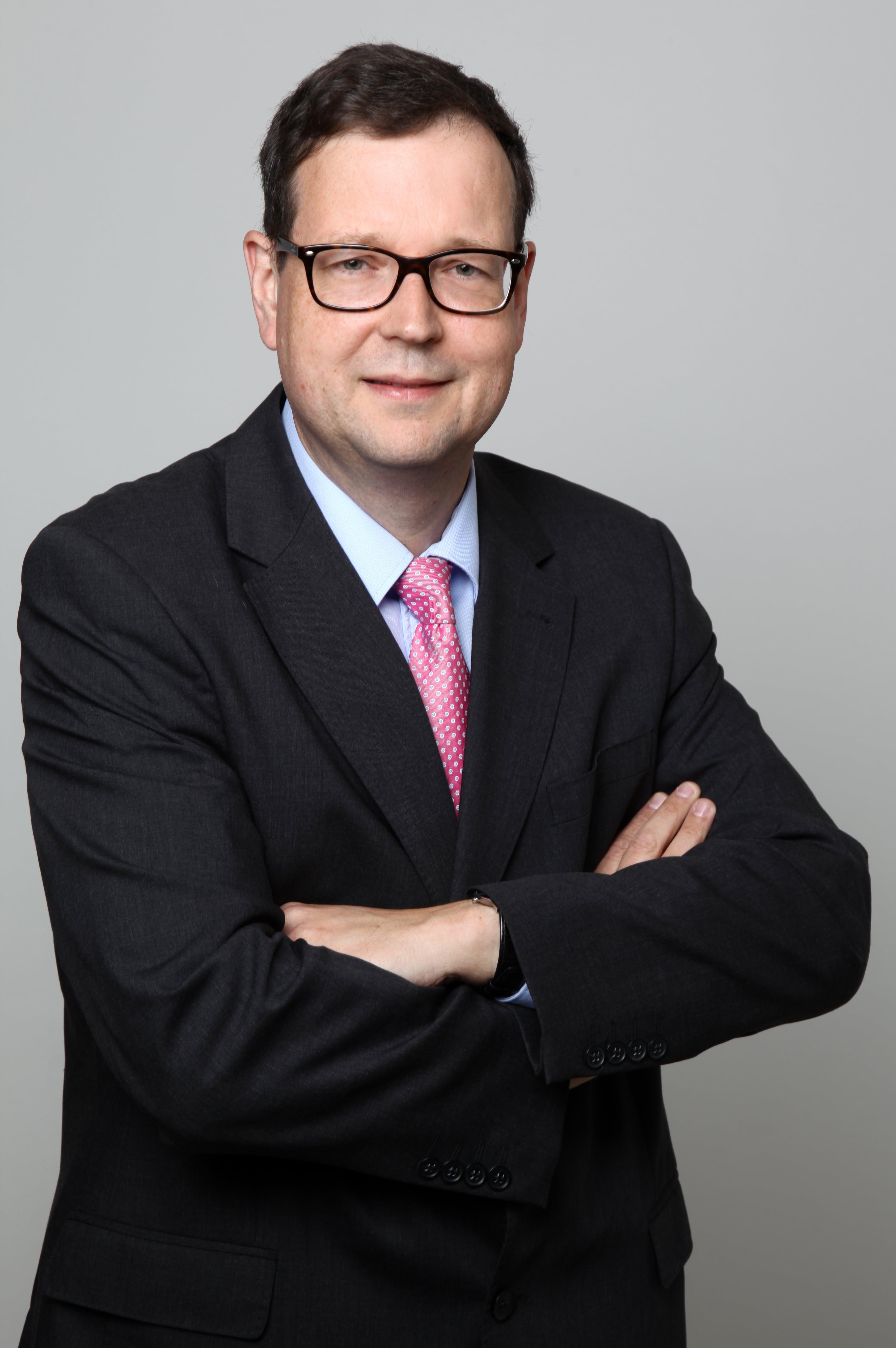 Dr. Michael Hinz